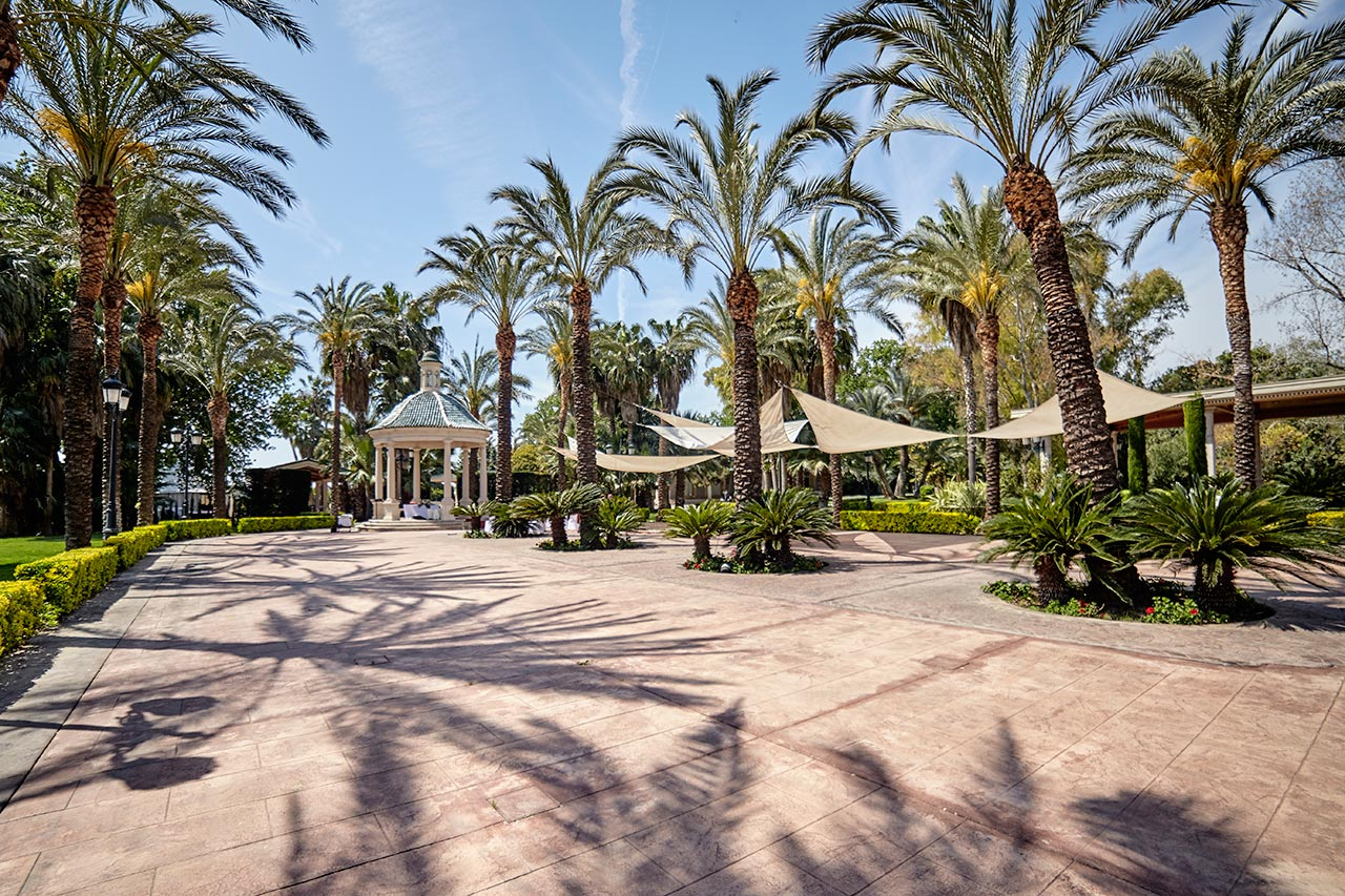 Salones y banquetes el puig turistico for Jardines la hacienda el puig